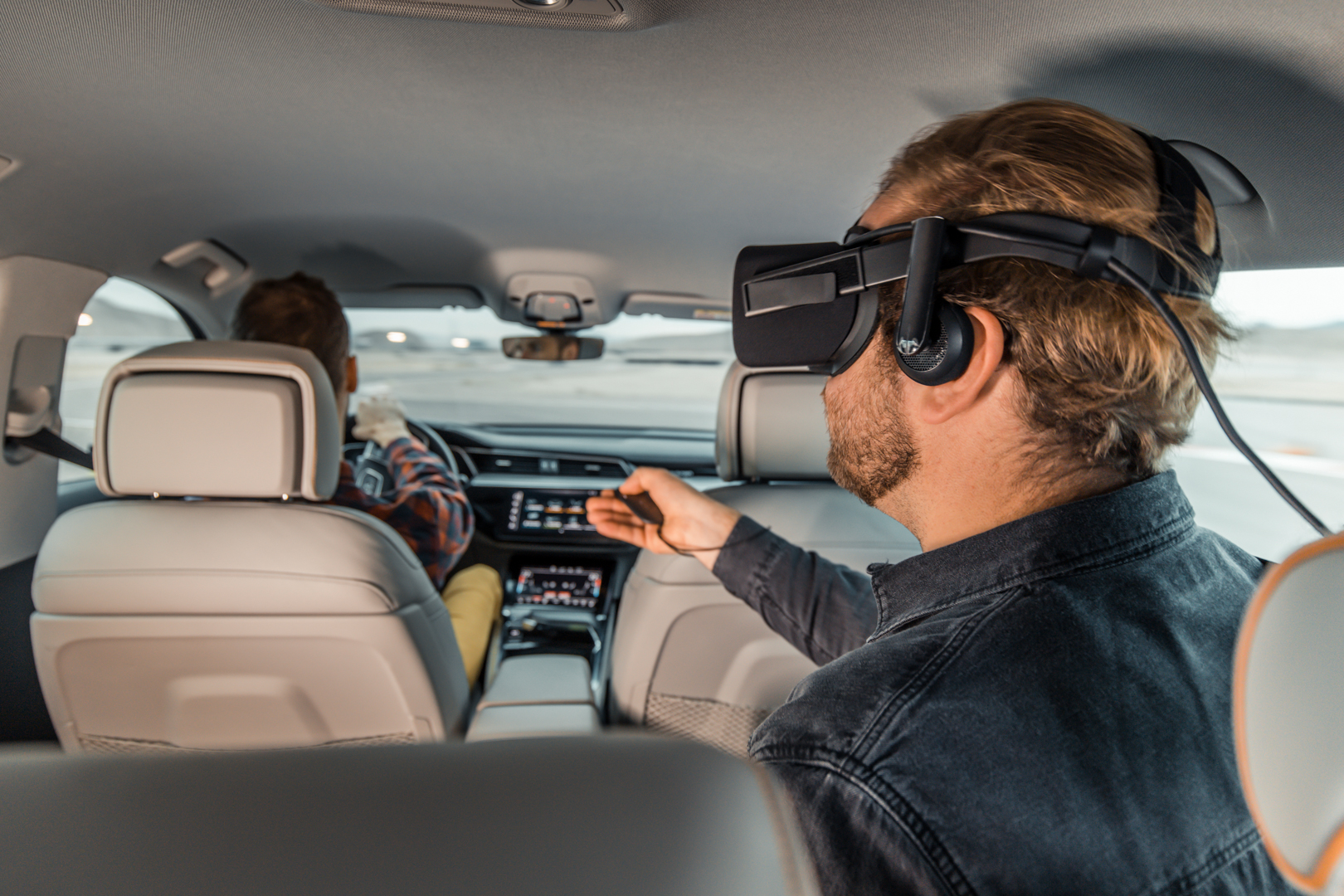 VIDEO: Experience Virtual Reality from the back of an Audi e-tron