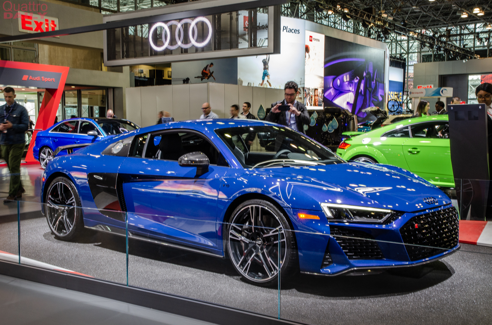 2019 NY Auto Show: Audi R8 Facelift — An Old Friend Drops By