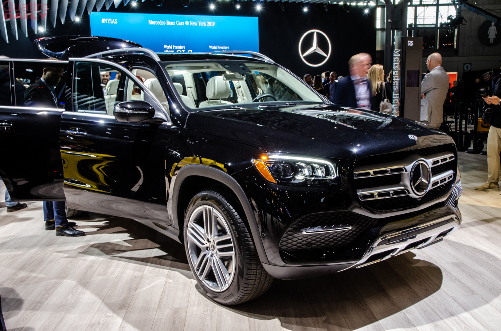 2019 NY Auto Show: Mercedes-Benz GLS-Class shows what Audi's missing